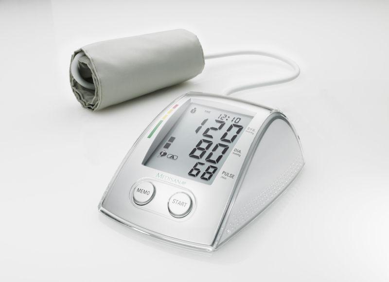 Апарат за измерване на кръвно налягане с USB кабел..